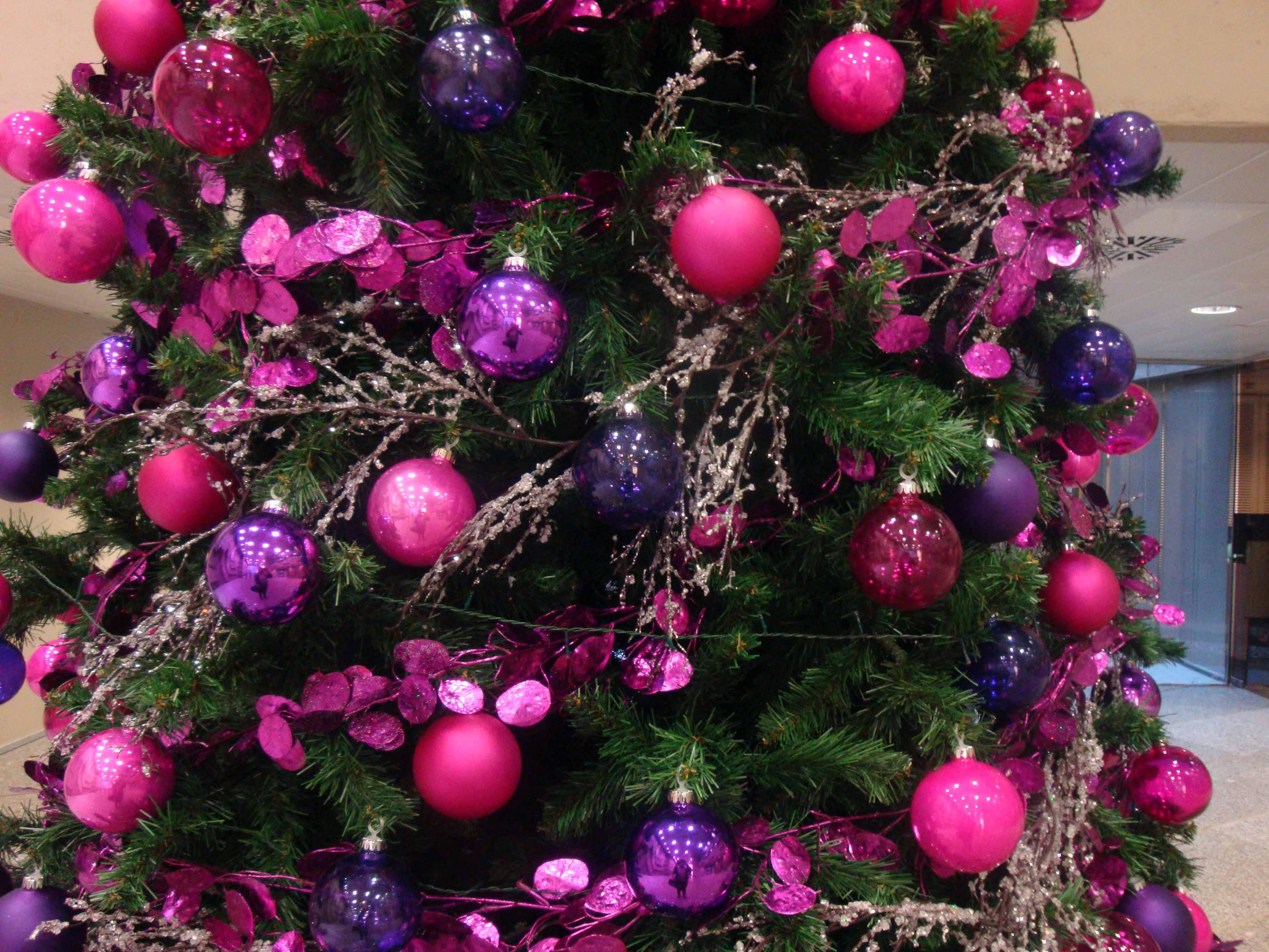 cheap interesting rboles de navidad color morado with imagenes de arboles de navidad decorados with arboles navidad decorados - Rboles De Navidad Decorados