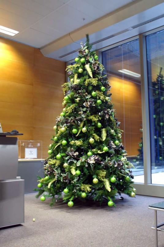 Rboles navidad color verde b m rboles de navidad for Arbol navidad verde