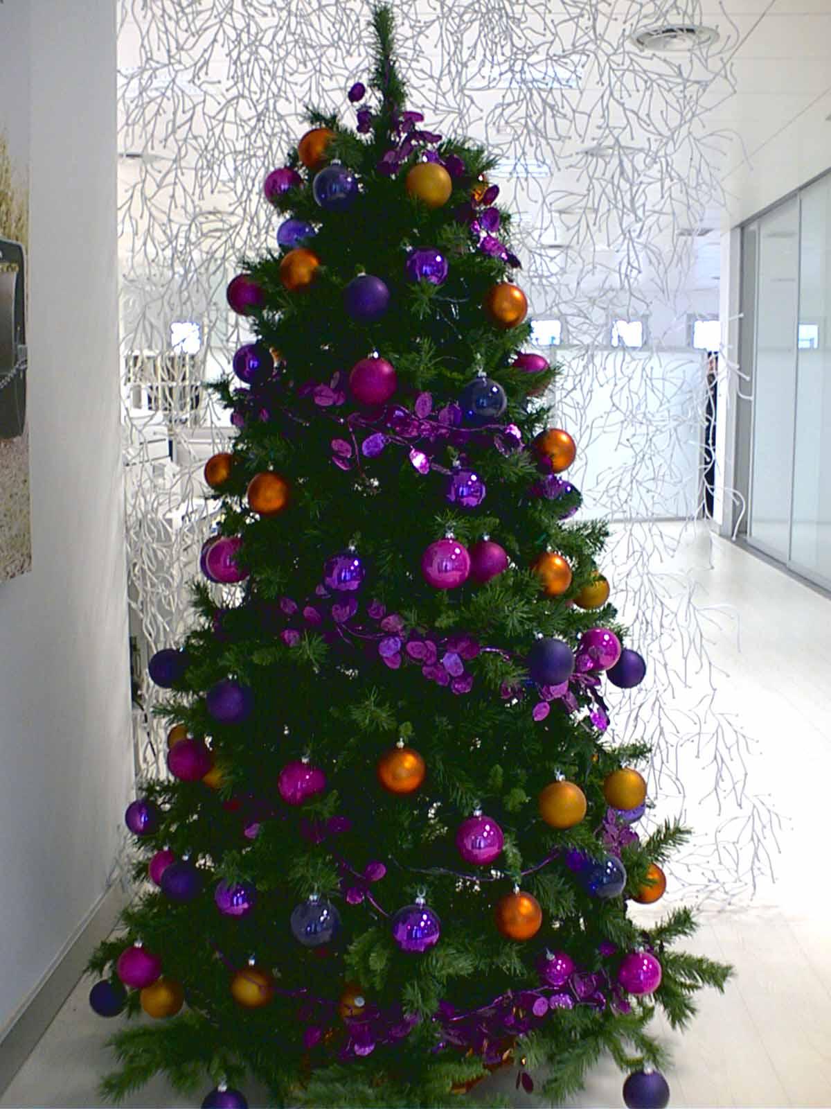 Rbol de navidad morado b m rboles de navidad - Arboles de navidad de chuches ...