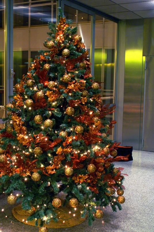 Rboles de navidad color oro b m rboles de navidad - Arboles de navidad colores ...