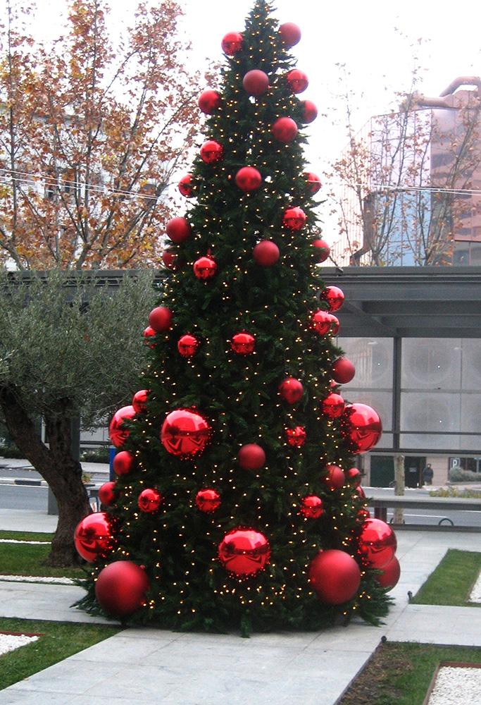 Rboles navidad ext b m rboles de navidad for Iluminacion exterior para arboles