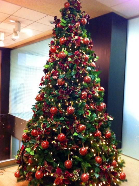 Árboles de navidad Rojos  B&M - Árboles de Navidad